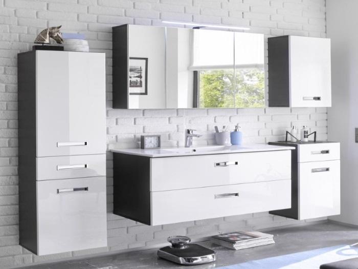 Badezimmer Grey Manhattan Hochglanz in Grau und Fronten in MDF Weiß